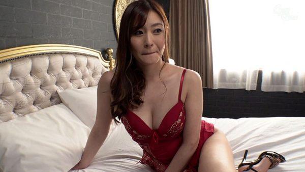 【FANZA最新作】尻穴解禁 美熟痴女の初アナルFUCK 葵百合香